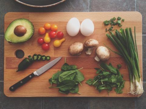 ある材料を入力するとご飯のメニューを全て考えてくれるアプリ