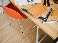 机と椅子の高さの調整