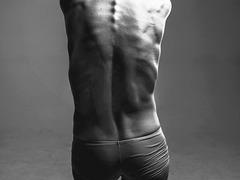 腰の痛みをすっとやわらげてくれるシップ